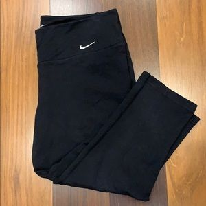 Black Nike Cropped Leggings